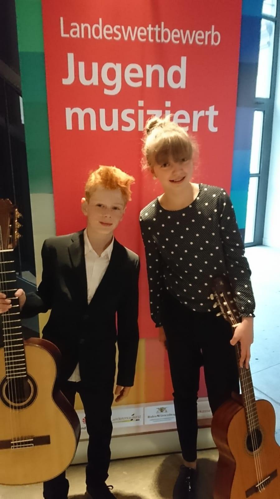 Großer Erfolg für junges Gitarrenduo beim Landeswettbewerb Jugend musiziert